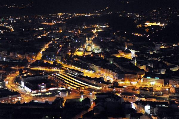 Fotoreportáž z dlouhého nočního letu Brno–Horní Smržov